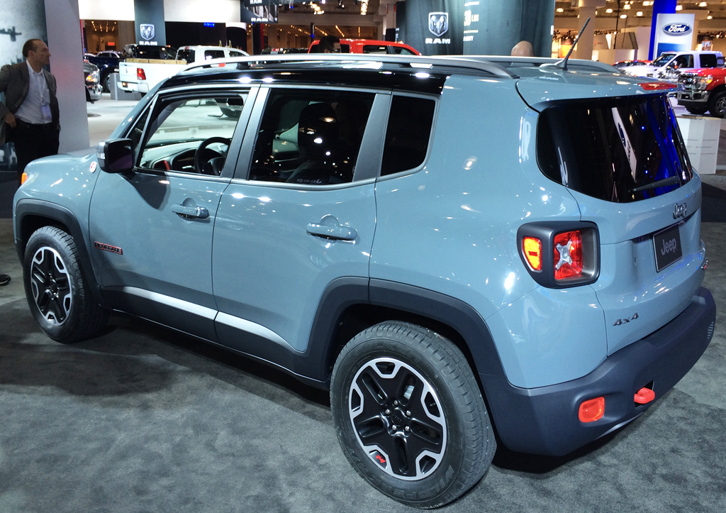2015 jeep renegade at the 2014 new york auto show. Black Bedroom Furniture Sets. Home Design Ideas