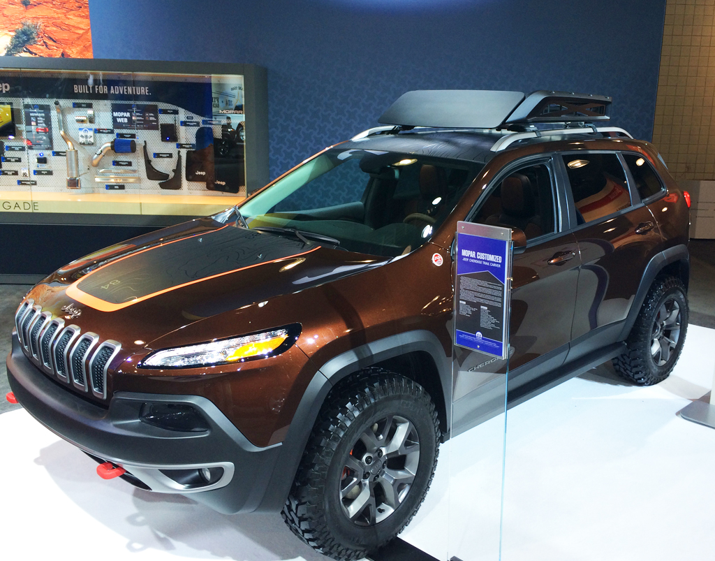 2014 jeep cherokee trail carver at the 2014 new york auto. Black Bedroom Furniture Sets. Home Design Ideas