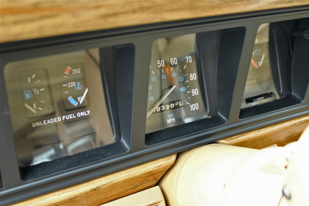 1986 jeep wagoneer instrument cluster