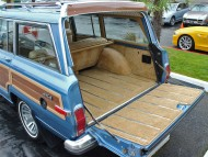 jeep grand wagoneer interior