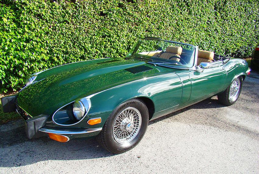 Superior 1974 Jaguar XKE